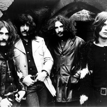 IRON MAN – Black Sabbath