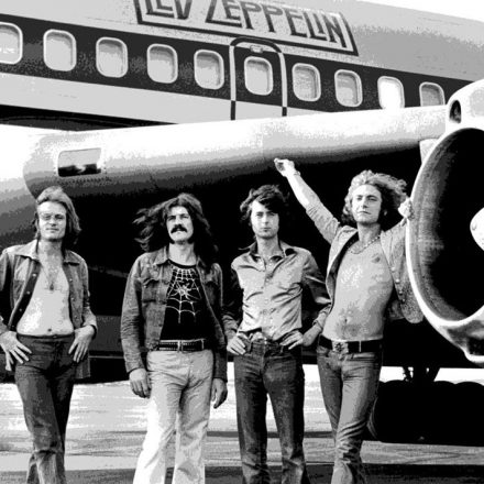 BLACK DOG – Led Zeppelin